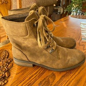 Roxy Combat Style Lace-Up Light Brown Boots